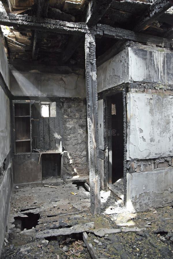 被烧的房子 库存照片