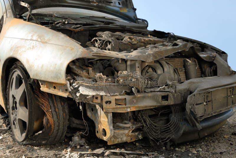 被烧的汽车下来 免版税图库摄影