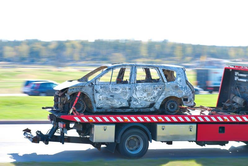 被烧的汽车卡车 免版税库存图片