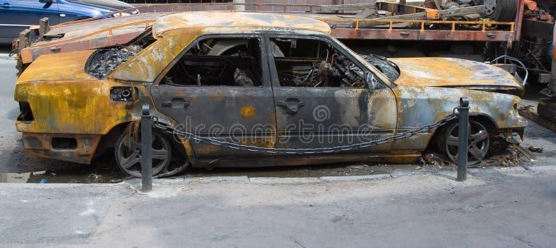 被烧的汽车 免版税库存照片