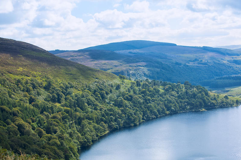 被盖的绿色爱尔兰山 库存照片