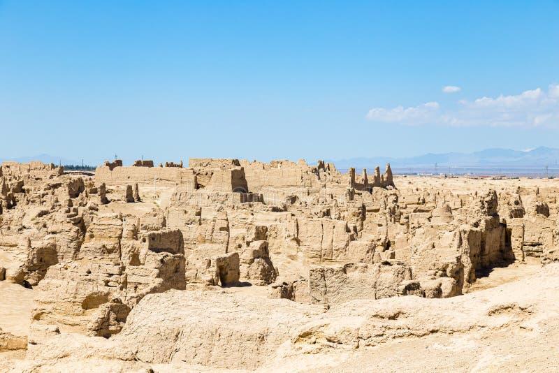 被看见的交河故城从上面,吐鲁番,中国 Jushi王国的AAncient资本,这是一个陡峭的高原的一个自然堡垒 免版税库存照片