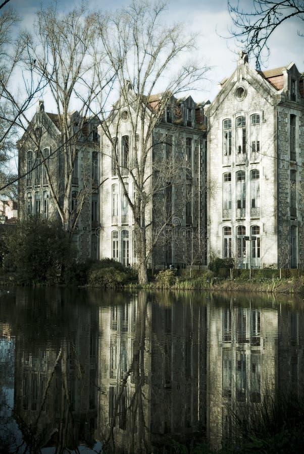 被破坏的学校, Caldas da Rainha,葡萄牙 库存图片