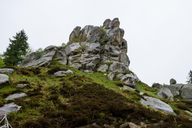 被破坏的木堡垒岩石在Tustan 免版税库存照片