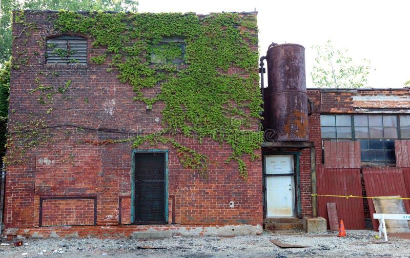 被破坏的被放弃的大厦外部在底特律 库存图片