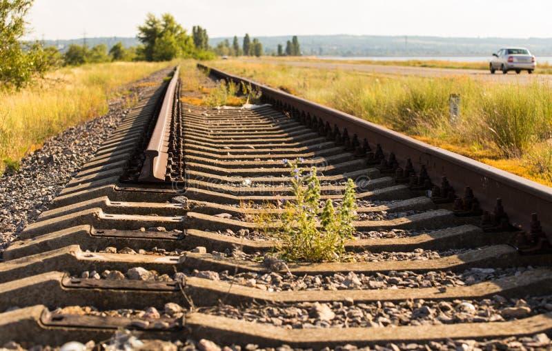 被破坏的铁路路在市Kanev,乌克兰 免版税图库摄影