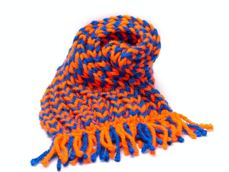 被编织的围巾和盖帽 免版税库存图片