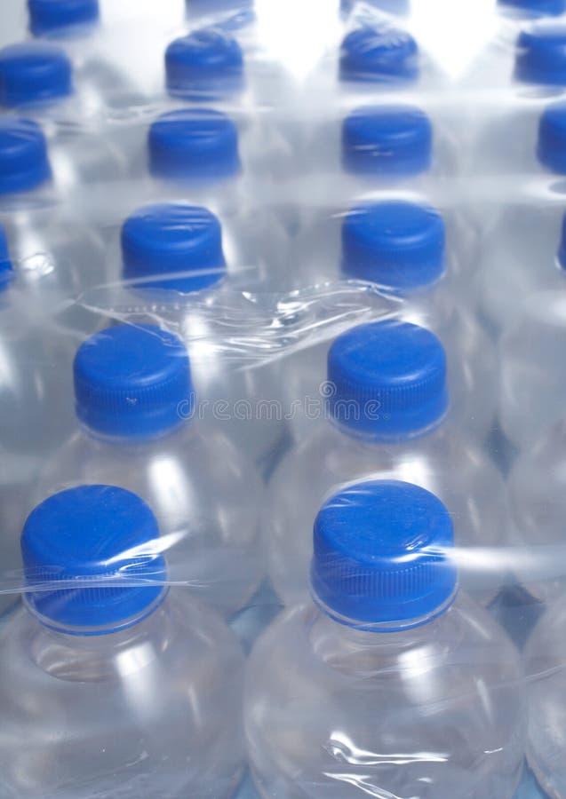 被装瓶的水