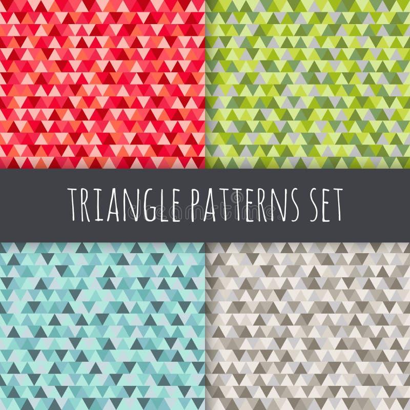 被设置的三角样式 红色,蓝色,绿色,灰色,棕色传染媒介无缝的几何背景 向量例证