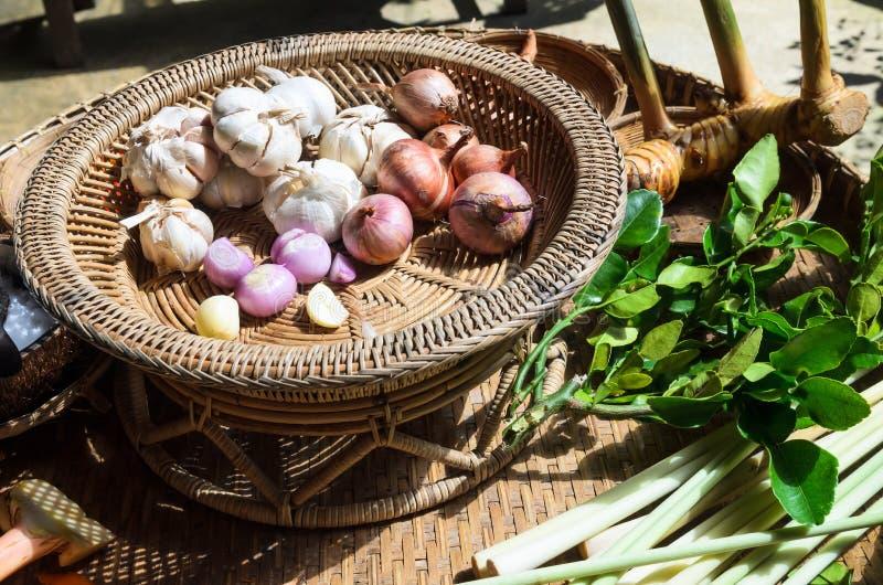 被设置的泰国草本香料成份 库存照片