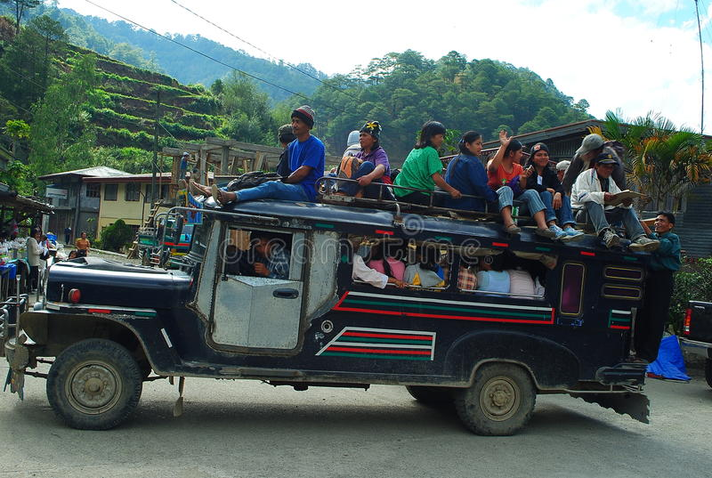 被超载的Benguet Jeepney 免版税库存照片