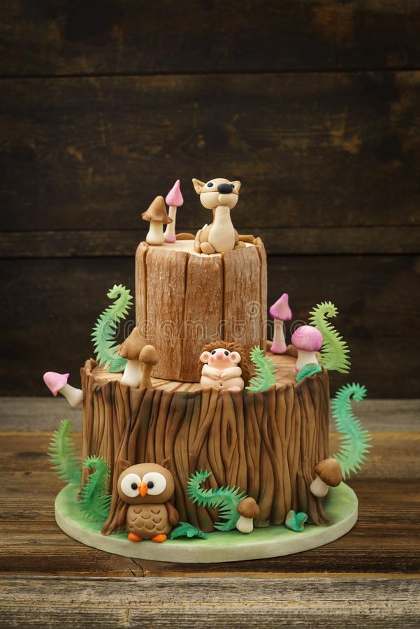 被迷惑的森林蛋糕 免版税库存照片