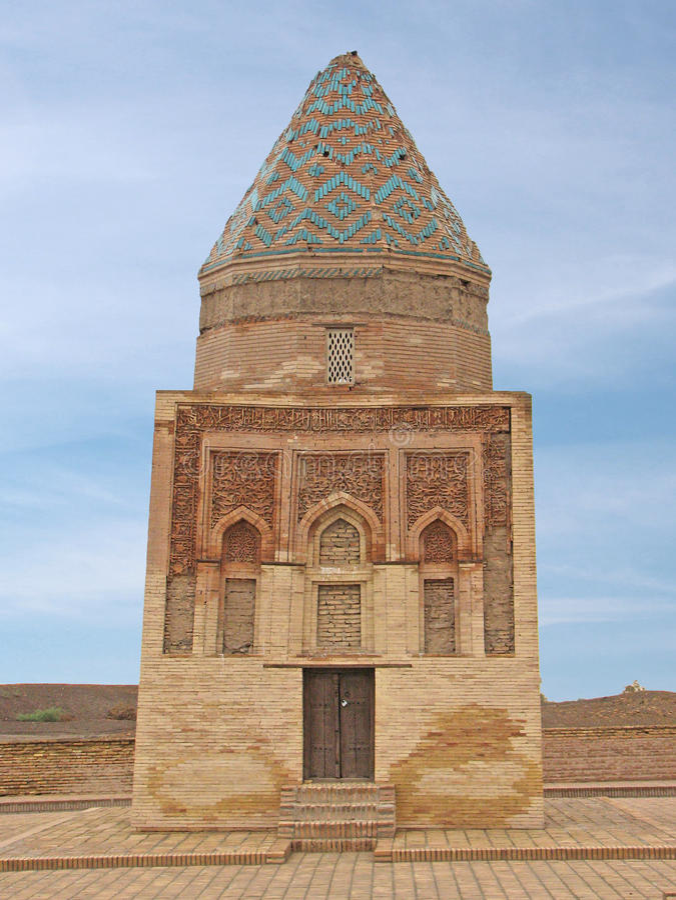 被重建的IlArslan陵墓在古城Kunya乌尔根奇 免版税库存照片