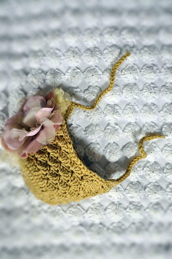 被钩编编织物的婴孩帽子 免版税图库摄影