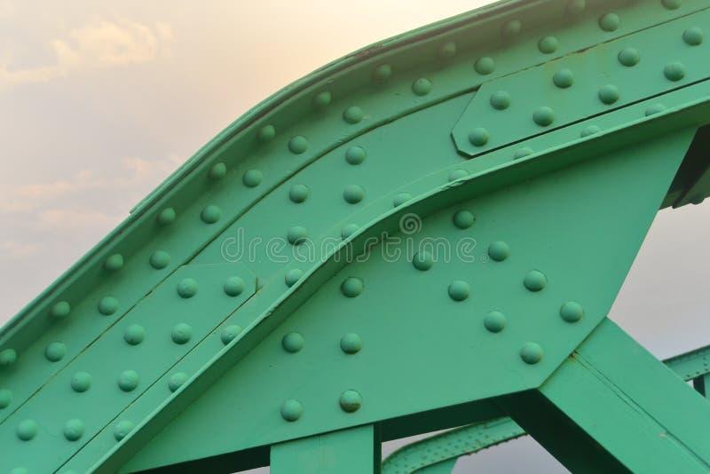 被铆牢的桥梁详细资料 免版税库存图片
