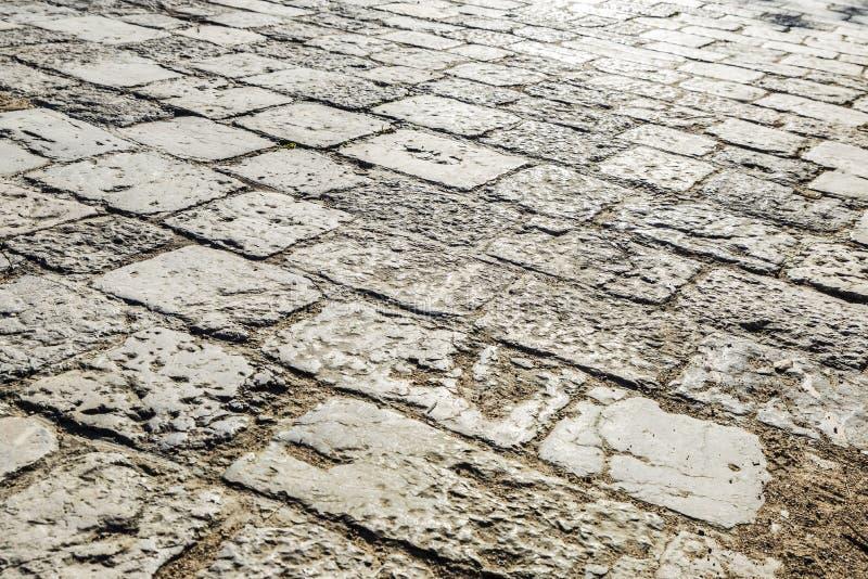 被铺的路石头 免版税库存照片