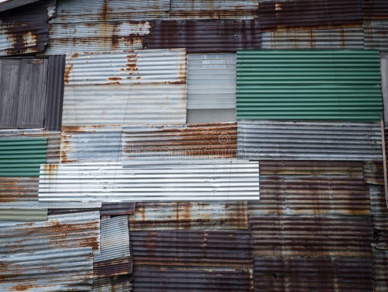 被镀锌的铁墙壁 免版税库存图片