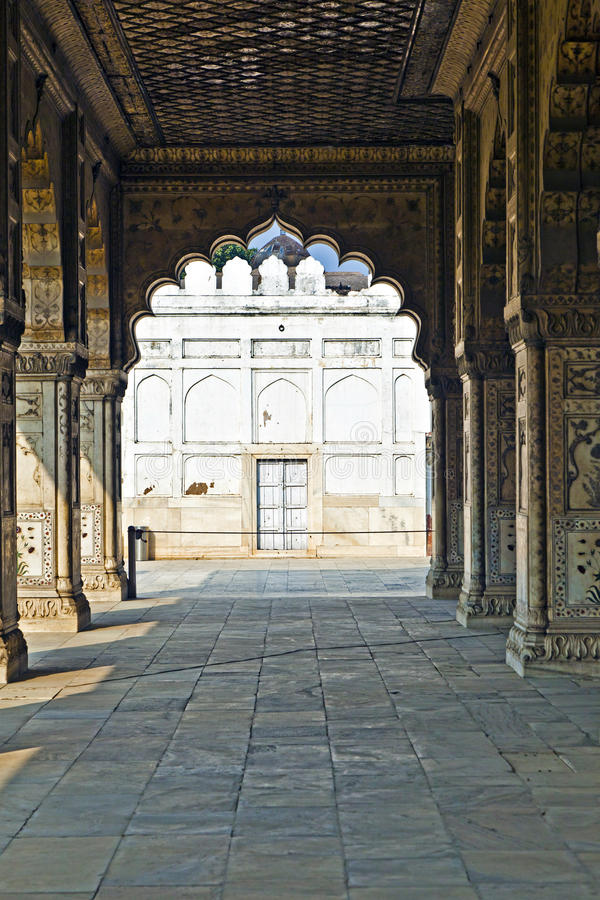 Download 被镶嵌的大理石、专栏和私有观众的曲拱、霍尔或D 库存图片. 图片 包括有 纪念碑, 保护, 文化, 建筑 - 59112137