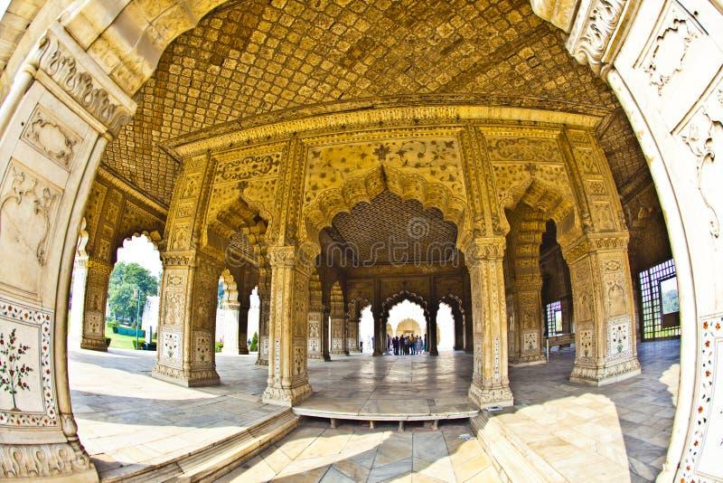 Download 被镶嵌的大理石、专栏和私有观众的曲拱、霍尔或D 库存图片. 图片 包括有 入口, 印第安语, 旅游业, 回教 - 59112339