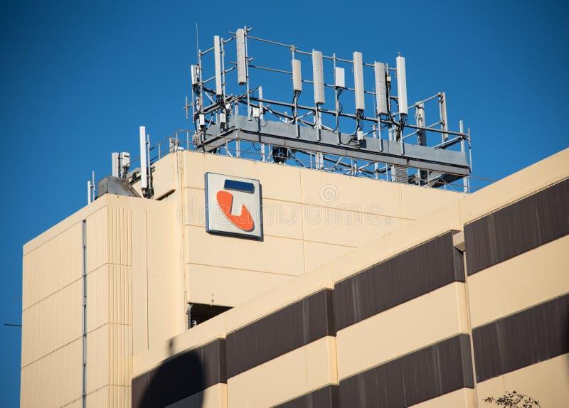 被限制的Telstra Corporation门面大厦是澳大利亚的最大的电信公司 免版税图库摄影