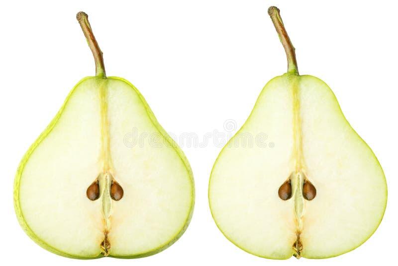 被隔绝的切的梨 在与裁减路线的白色背景隔绝的两个黄绿色梨果子切片 免版税库存图片