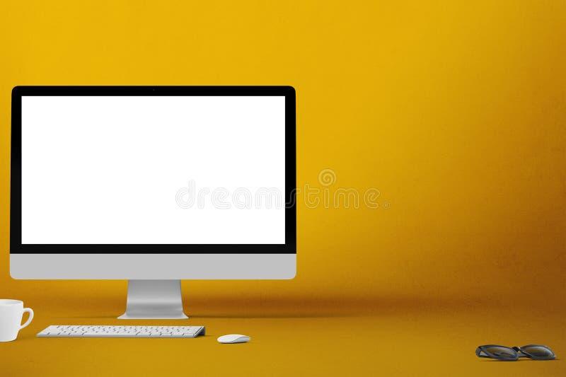 被隔绝的台式计算机屏幕 现代创造性的工作区背景 正面图 库存图片