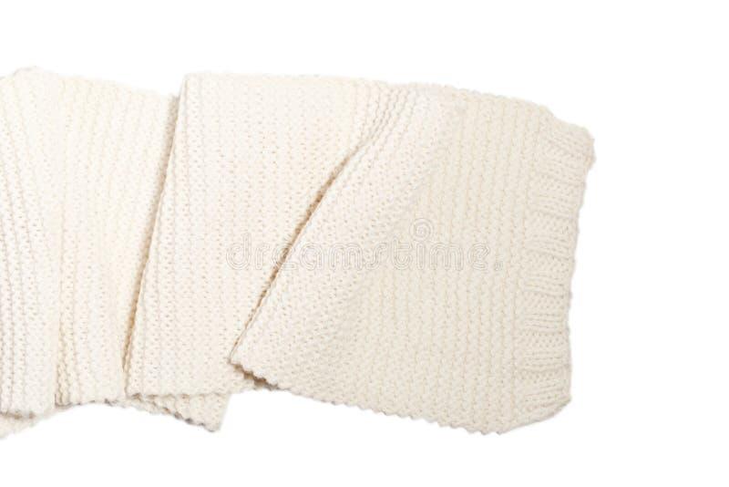 被隔绝的被编织的羊毛白色围巾 库存照片