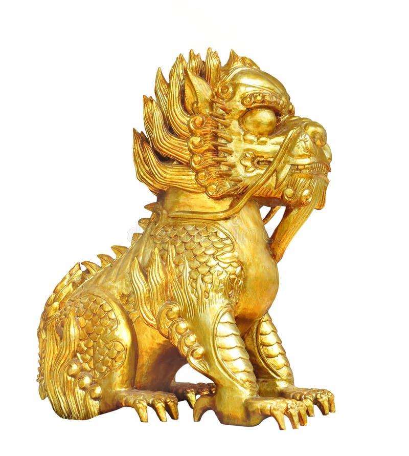 被隔绝的金黄中国狮子形象 免版税库存图片