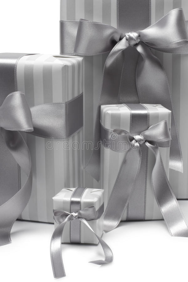 被隔绝的黑白礼物盒 图库摄影