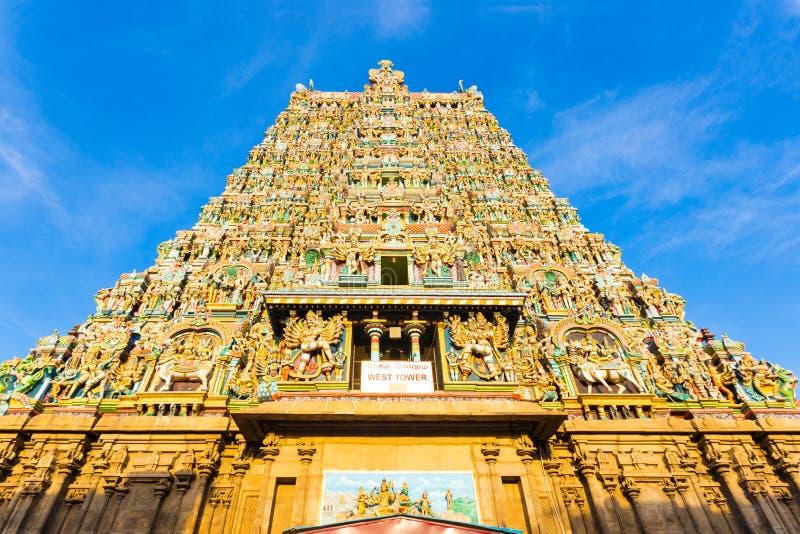 被集中的马杜赖Meenakshi阿曼寺庙西部塔 库存图片