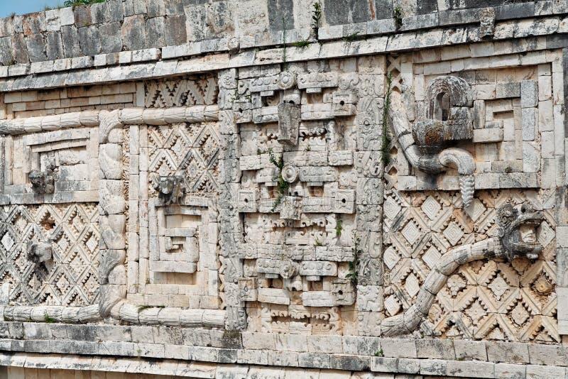 被雕刻的墨西哥uxmal墙壁尤加坦 库存照片