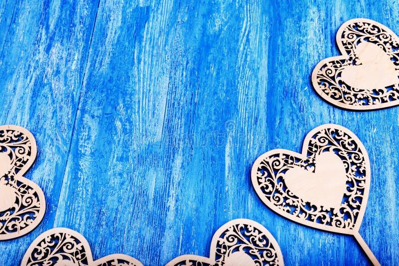 被雕刻的木心脏 免版税图库摄影