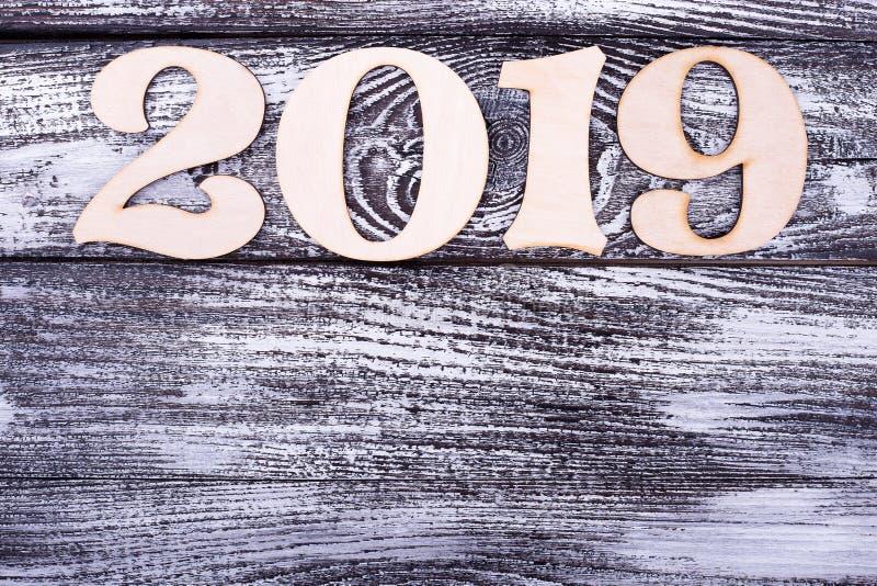 被雕刻的木第2019年和拷贝空间 免版税图库摄影