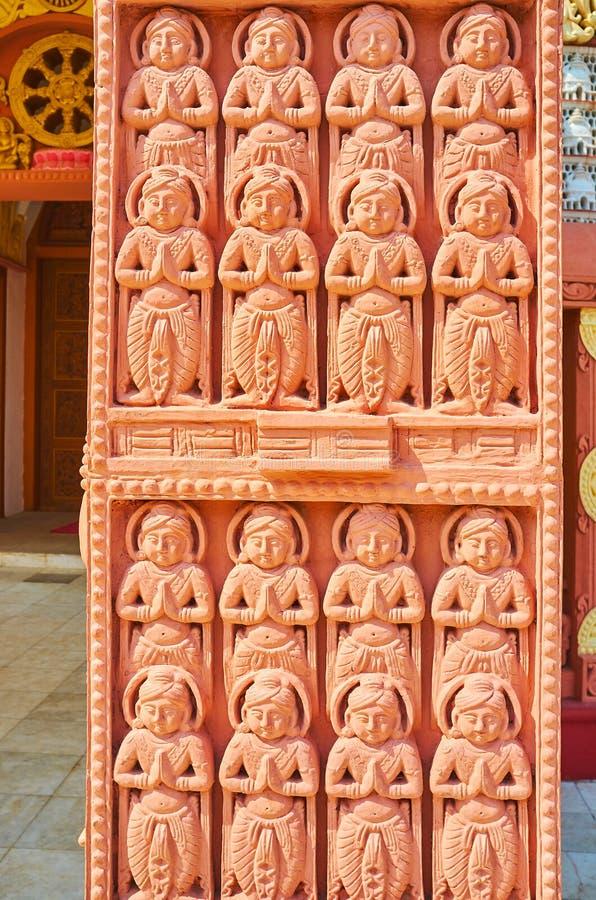被雕刻的torana门的细节,Sitagu国际佛教学院,实皆,缅甸 免版税库存照片
