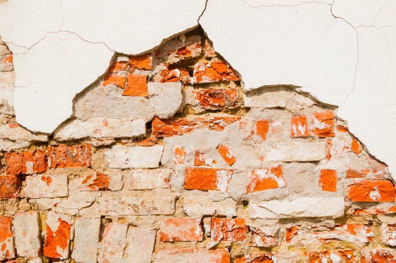 被风化的红砖石墙石纹理背景  库存图片