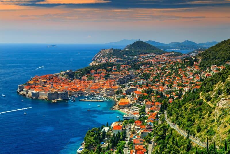 被围住的城市的美好的全景,杜布罗夫尼克,达尔马提亚,克罗地亚 免版税图库摄影