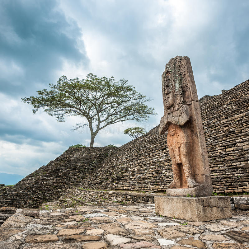 被破坏的玛雅城市Tonina,恰帕斯州,墨西哥 免版税库存照片