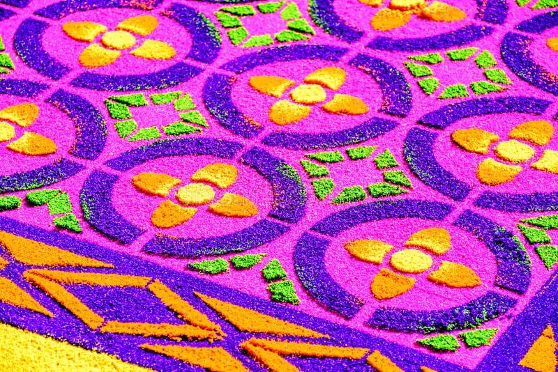 被洗染的锯木屑特写镜头借了地毯,安提瓜岛,危地马拉 库存照片