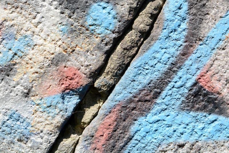 破裂的油漆混凝土墙纹理背景 免版税库存图片