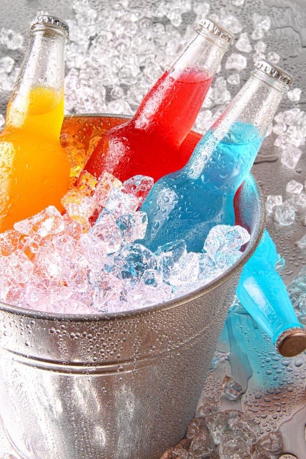 装瓶冷饮冰 图库摄影