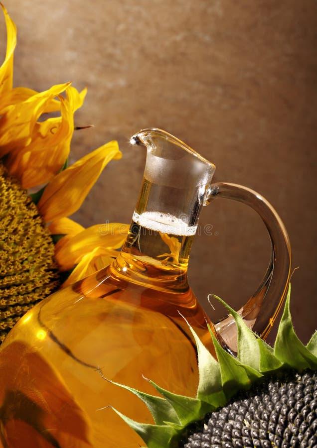 装瓶油向日葵 免版税图库摄影