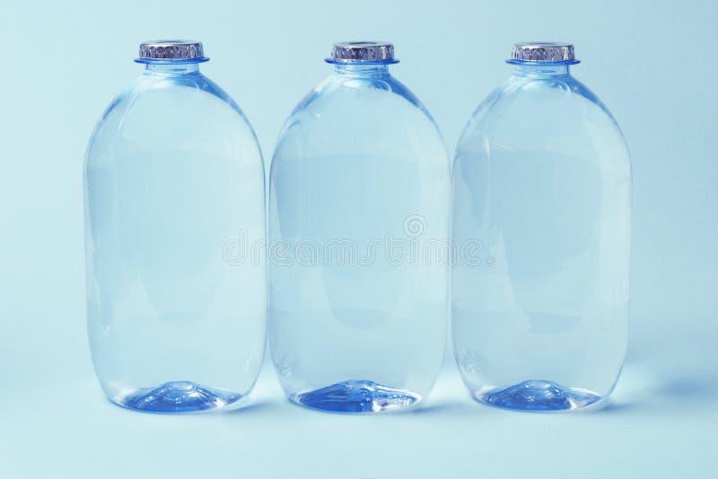 装瓶矿物塑料水 库存照片
