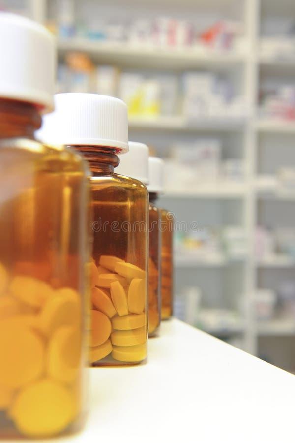 装瓶药片行 库存图片