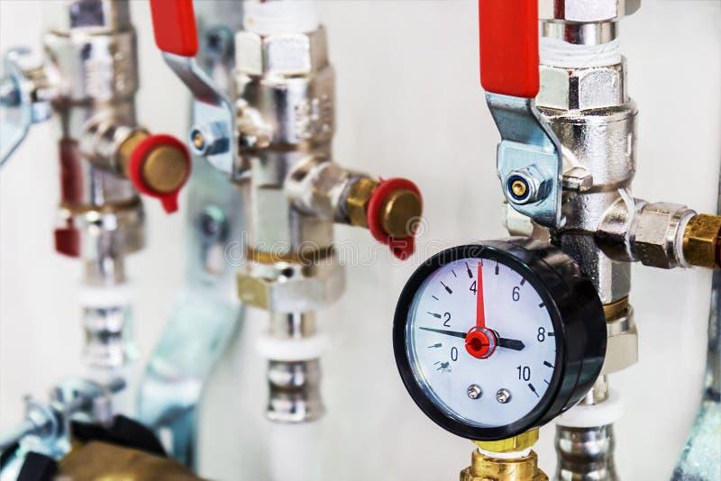 装置管子和配件水或气体冷却系统的连接的 免版税库存图片