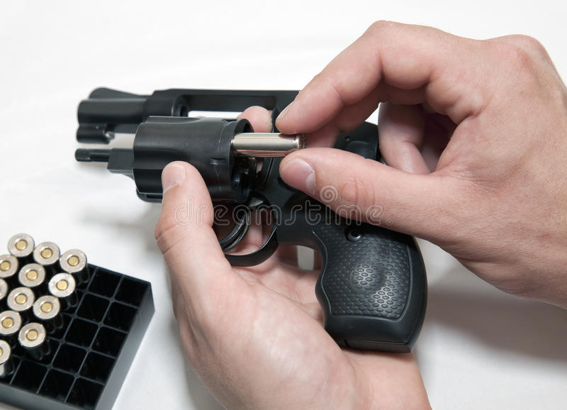装载左轮手枪 库存图片