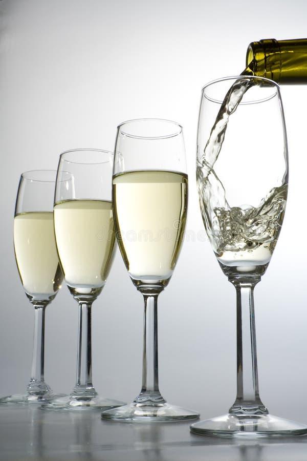 装载的酒葡萄酒杯 免版税库存照片