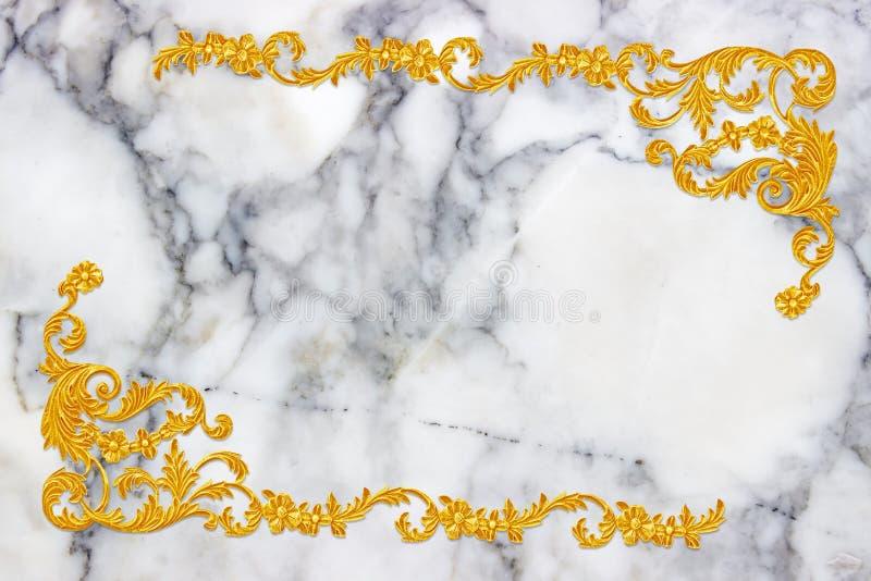 装饰元素,在白色大理石的葡萄酒金子花卉设计 库存照片