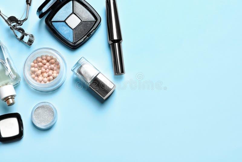 装饰化妆用品和工具 免版税库存照片