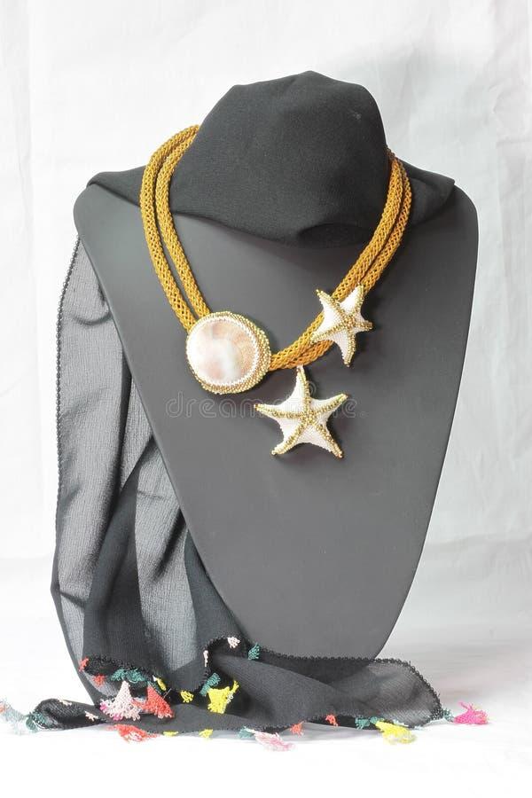 装饰品由小珠做成在半胸象 图库摄影