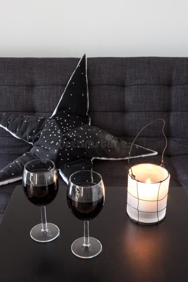 装饰客厅桌的灯笼 免版税图库摄影
